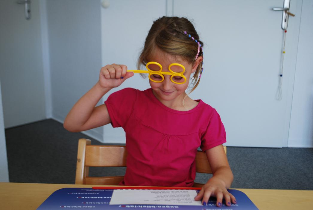 Augenoptisches und optometrisches Zentrum Optik Mattern - Ihr Optiker in Wiesloch und Sandhausen. Bei Lese-Lern-Problemen, die auf visuelle Defizite zurückzuführen sind, lassen sich durch gezieltes Visualtraining die Seh- und Wahrnehmungsfähigkeit beeinflussen.