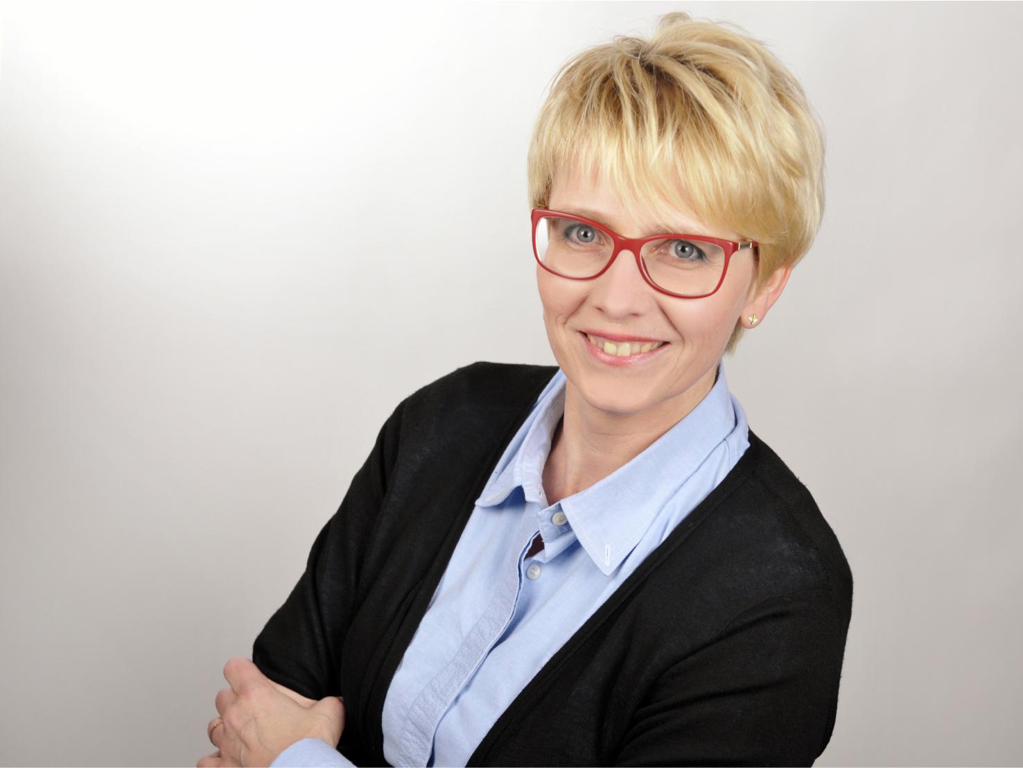 Augenoptisches und optometrisches Zentrum Optik Mattern - Ihr Optiker in Wiesloch und Sandhausen. Birgit Mattern ist Augenoptikermeisterin.