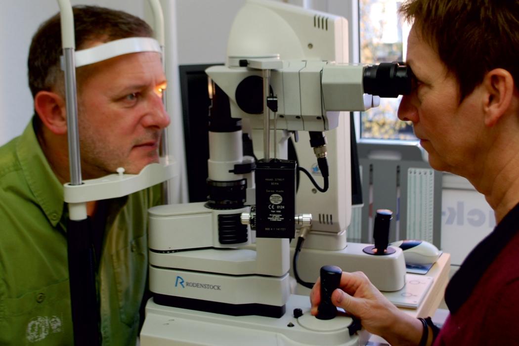 Augenoptisches und optometrisches Zentrum Optik Mattern - Ihr Optiker in Wiesloch und Sandhausen. Spezielle Messmethoden und Messgeräte um versteckte Ursachen von Sehproblemen aufzudecken.